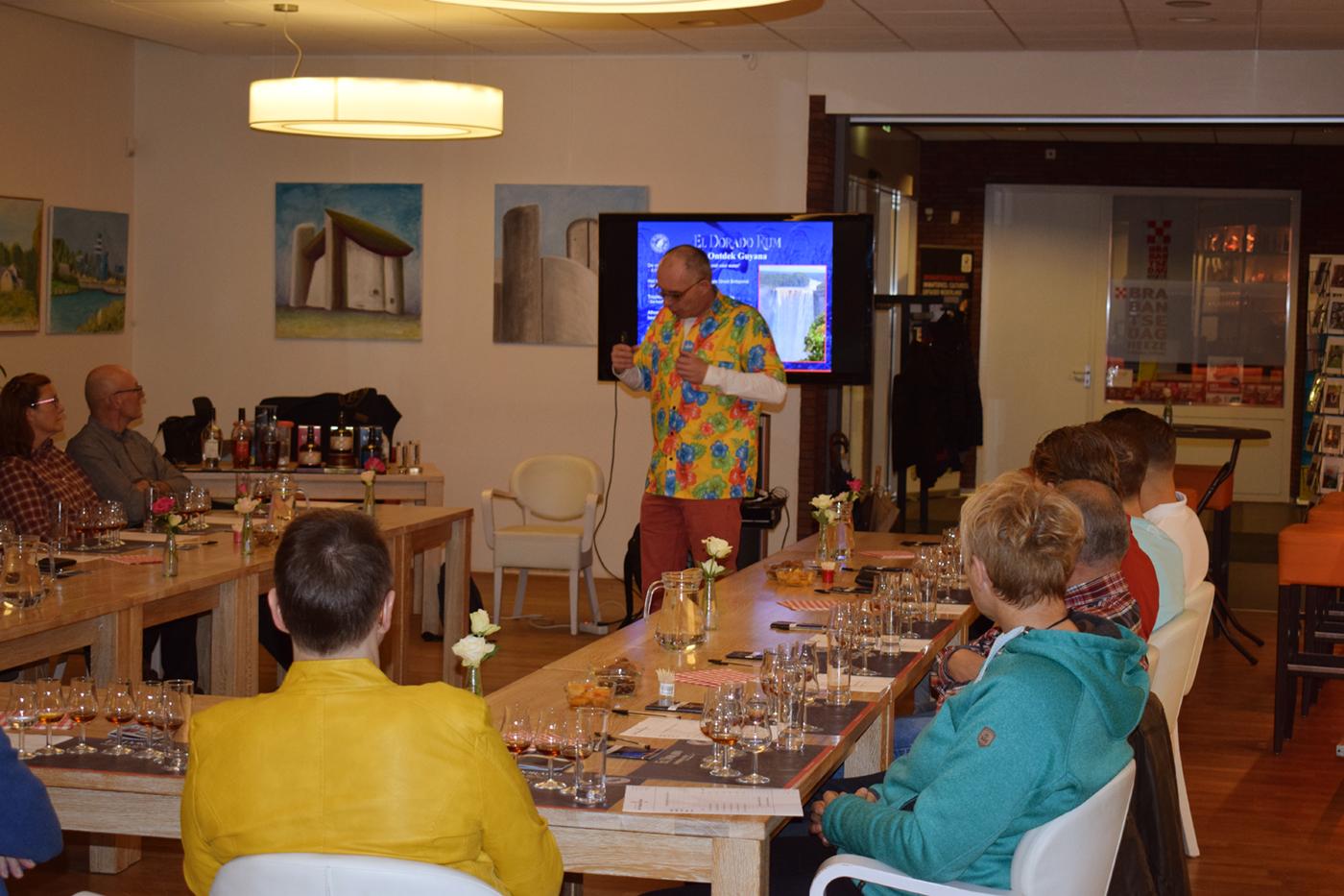 Ronald Anneveldt verteld in Heeze over de unieke rum van El Dorado uit Guyana