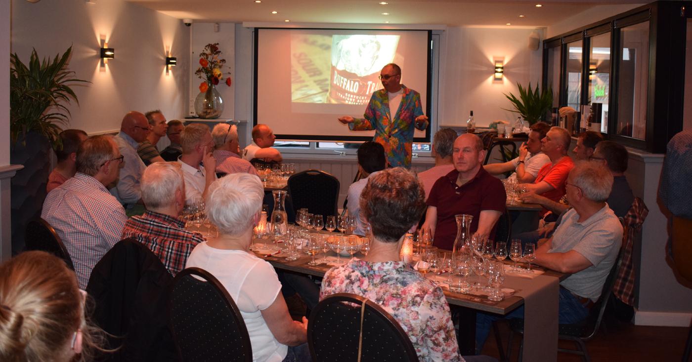 Frisse en fruitige Rampur goed ontvangen op whisky tasting in de Ster van Twente