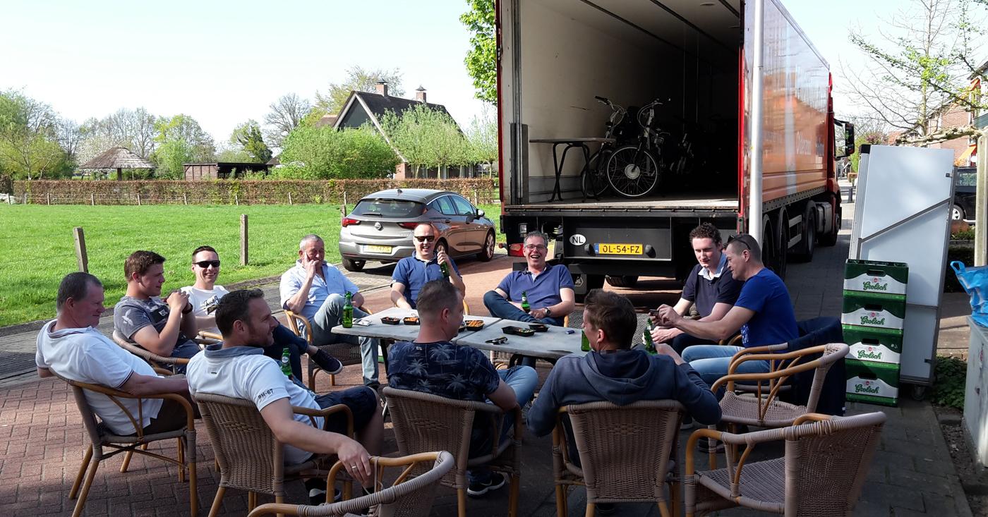 Vrachtwagen van onze chauffeur Rudy Veldhuis ingewijd