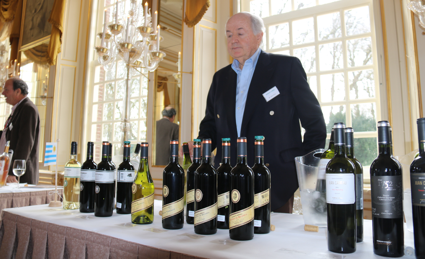 Hubrecht Duijker lovend over onze wijnen uit Uruguay