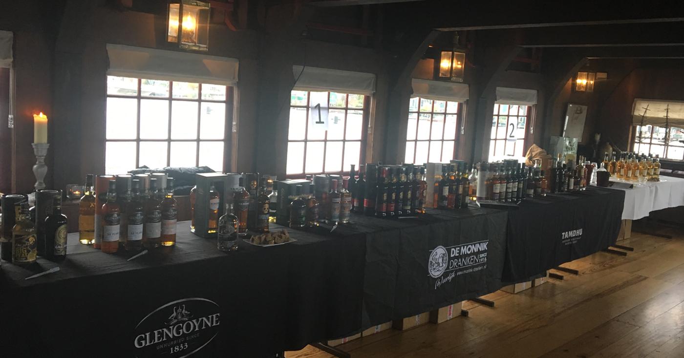 De Zaanse Schans weer ondergedompeld in whisky