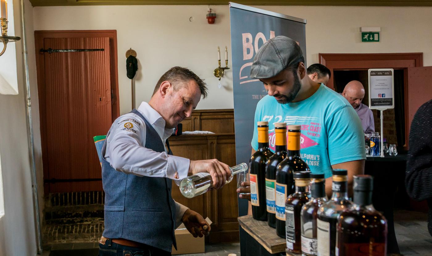Whisky in de Bollenstreek Mike Overvliet met rum