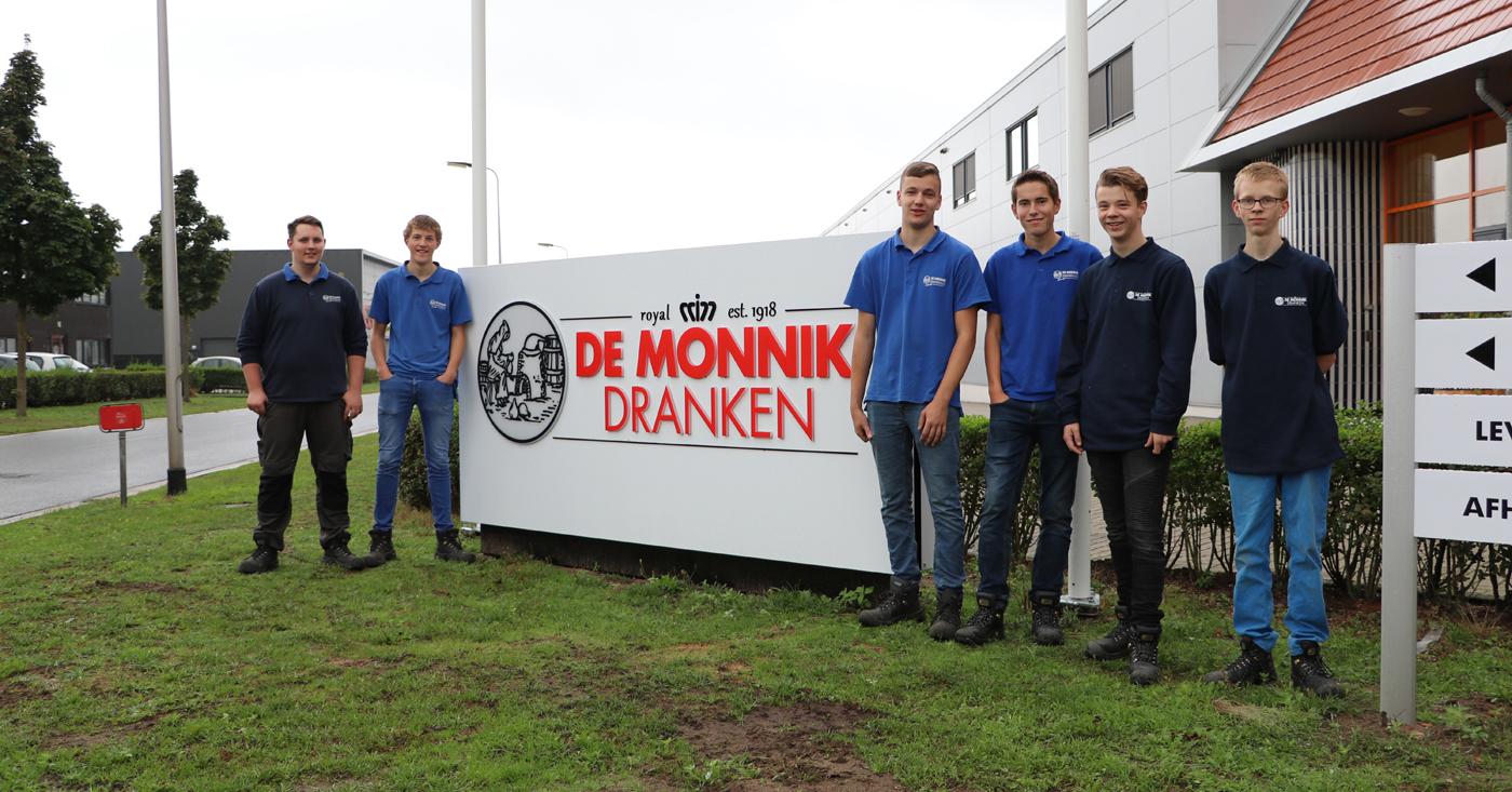 4 nieuwe stagiaires starten bij De Monnik Dranken