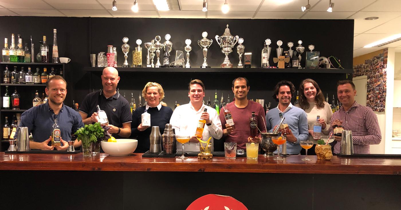 Cocktails op hoog niveau bij European Bartender School!